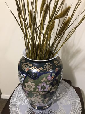 """Still available one 17"""" ceramic hand painted vase free stems pick up Gaithersburg md20877 for Sale in Gaithersburg, MD"""