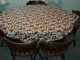 Wooden Kitchen Table With Chairs for Sale in Kirkland,  WA
