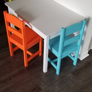 Kidskraft Table And Chairs for Sale in Trenton, MI