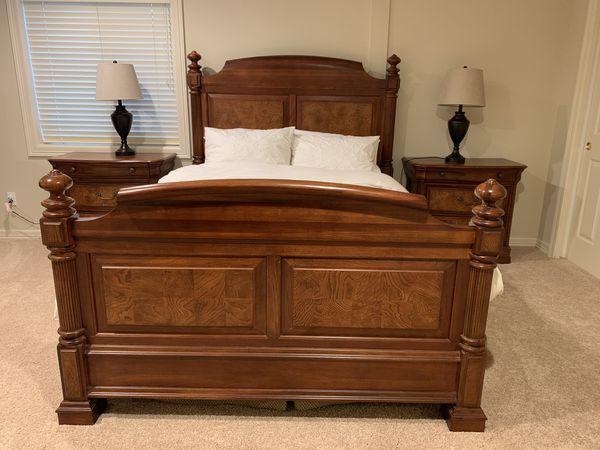 Costco 5-piece Queen bedroom set