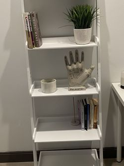 White Ladder Bookcase for Sale in Vienna,  VA