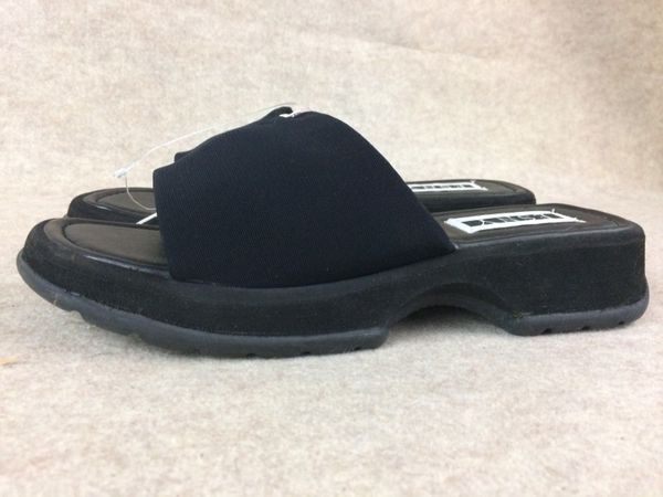 ESNY black sandals size 10