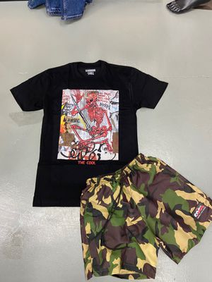 Graphic T-shirt & Camo Cool Shorts for Sale in Miami, FL