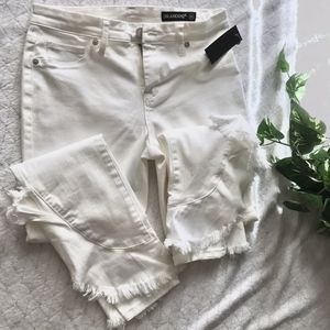 New blank nyc fringe frayed white jeans size 28 for Sale in Clermont, FL
