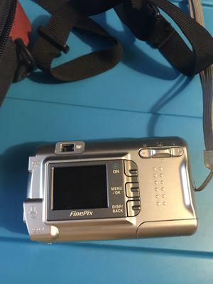 Fine pix camera for Sale in Lennox, SD