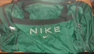 Green NIKE Duffle Bag, medium to large for Sale in Phoenix, AZ