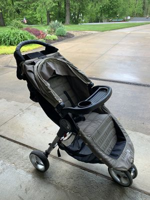 City Mini baby jogger for Sale in Kirtland, OH