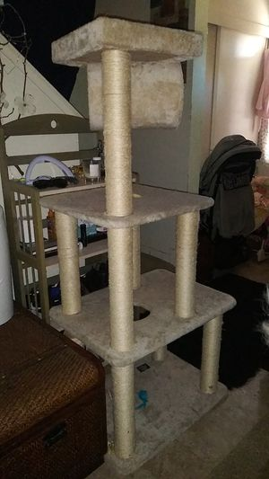 4 teer cat tree for Sale in Chico, CA
