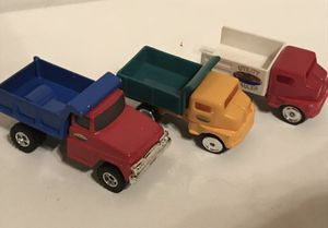 Maisto Diecast Truck Red White and green are 1998 and 2012 Tonka vintage for Sale in Kirkland, WA