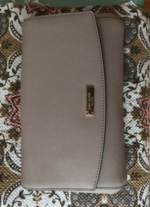 Authentic Kate Spade Leather Beige Clutch / Purse for Sale in Los Angeles, CA
