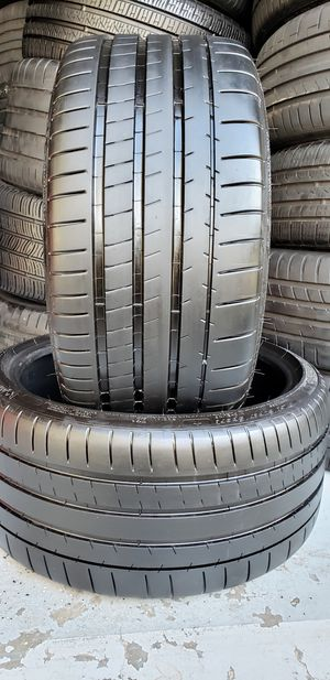 285/30/20 MICHELIN PILOT SUPER SPORT 99-100% TREAD for Sale in Tampa, FL