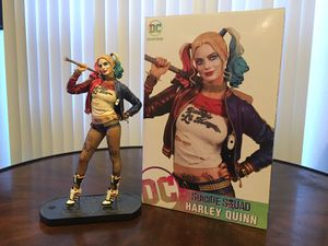 Harley Quinn collectible statue for Sale in Dallas, TX