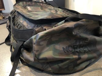 North Face XL Duffle Bag for Sale in San Diego,  CA