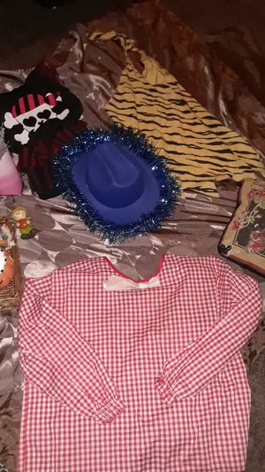 Youth costumes and decorationa for Sale in San Jacinto, CA