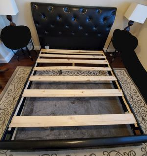 Cal King bed frame for Sale in Riverbank, CA