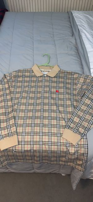 Men's Burberry polo size large for Sale in Acworth, GA