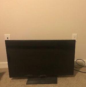 40 inch tv for Sale in Atlanta, GA