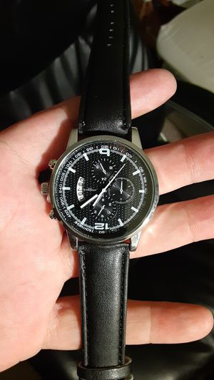 Silver and black face with black leather band waterproof for Sale in New Port Richey, FL