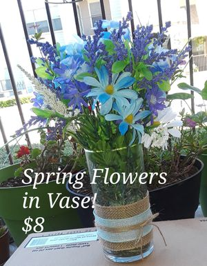 Handcrafted spring flowers with burlap and vase included for Sale in San Antonio, TX