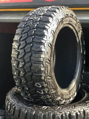 Americus tires 37/13.50r22 for Sale in Long Beach, CA