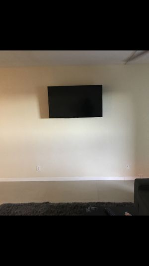 Tv mouthing + Amazon fire 🔥 stick bundle ask me about it for Sale in Miramar, FL