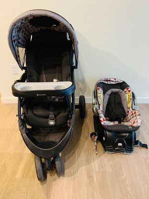 Jogger stroller with car seat for Sale in Englewood, CO