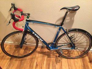 2013 Trek Madone 2.3 58cm road bike for Sale in Lynnwood, WA