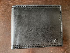 Levi's Men Wallet for Sale in Austin, TX