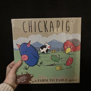 CHICKAPIG BOARD GAME BY DAVE MATTHEWS for Sale in Beavercreek, OR