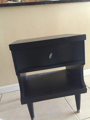 Reading table, laptop can keep and work, can use as TV stand for Sale in Chicago, IL