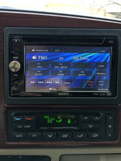 Sony Car Radio/CD/DVD/USB/AUX/SAT for Sale in Amherst,  OH