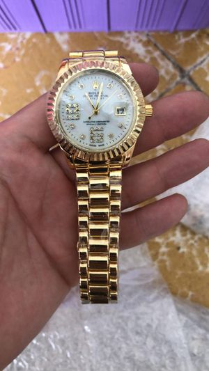 WATCH gold*** men or women*** for Sale in Bloomington, TX
