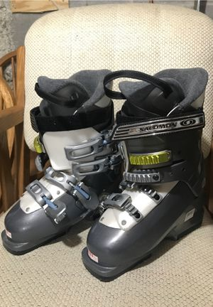 Ski Boots - Salomon Women's Size 6 for Sale in Batavia, NY