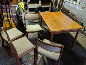 Great old table/chairs good condition cheao for Sale in Canton, MA
