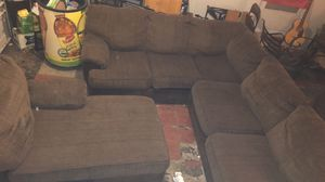 Sectional couch 🛋 for Sale in Columbus, OH