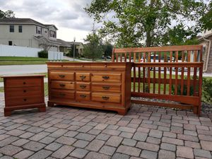 Solid Wood Queen Bedroom Set for Sale in Alafaya, FL