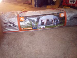 10 man tent living the experience for Sale in Federal Way, WA