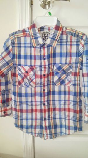 Size 6 boys LIKE NEW long sleeve button down shirt for Sale in Falls Church, VA