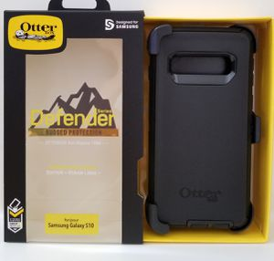 Samsung Galaxy S10 Otterbox Defender series Case with belt clip holster black for Sale in Santa Clarita, CA