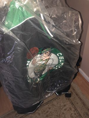 Celtics Warm Up Long Sleeve Jersey XL for Sale in Revere, MA