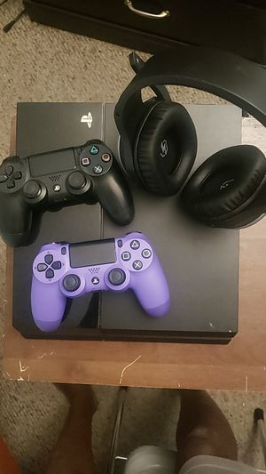 PlayStation 4 and Assessories for Sale in Miramar, FL