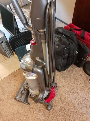 Dyson upright bagless vacuum cleaner for Sale in Wichita, KS