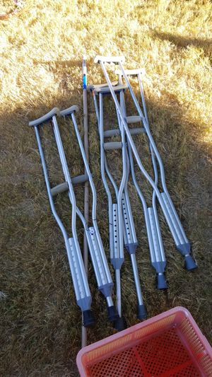 Crutches $2 a pair pick up today!! for Sale in Chandler, AZ