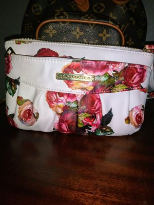 Juicy Couture wristlet for Sale in Dallas, TX