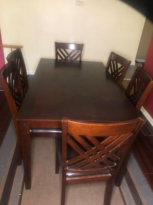 Dining room table for Sale in Columbia, MD