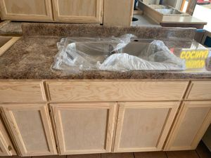 Kitchen cabinet formaica countertop & sink for Sale in Lynwood, CA