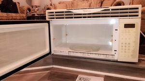 Whirlpool microwave for Sale in Manassas, VA