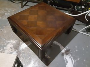 Wooden coffee table for Sale in Cuba, MO