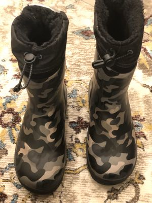 Kids (Snow) Boots size 2/3 for Sale in Bedford, MA
