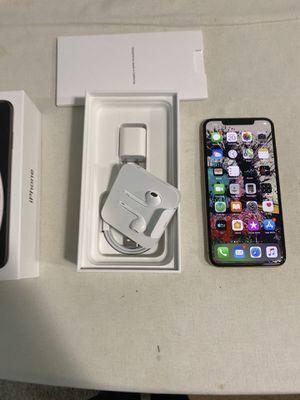 iPhone X Max 256GB Unlocked like new for Sale in Kirkland, WA